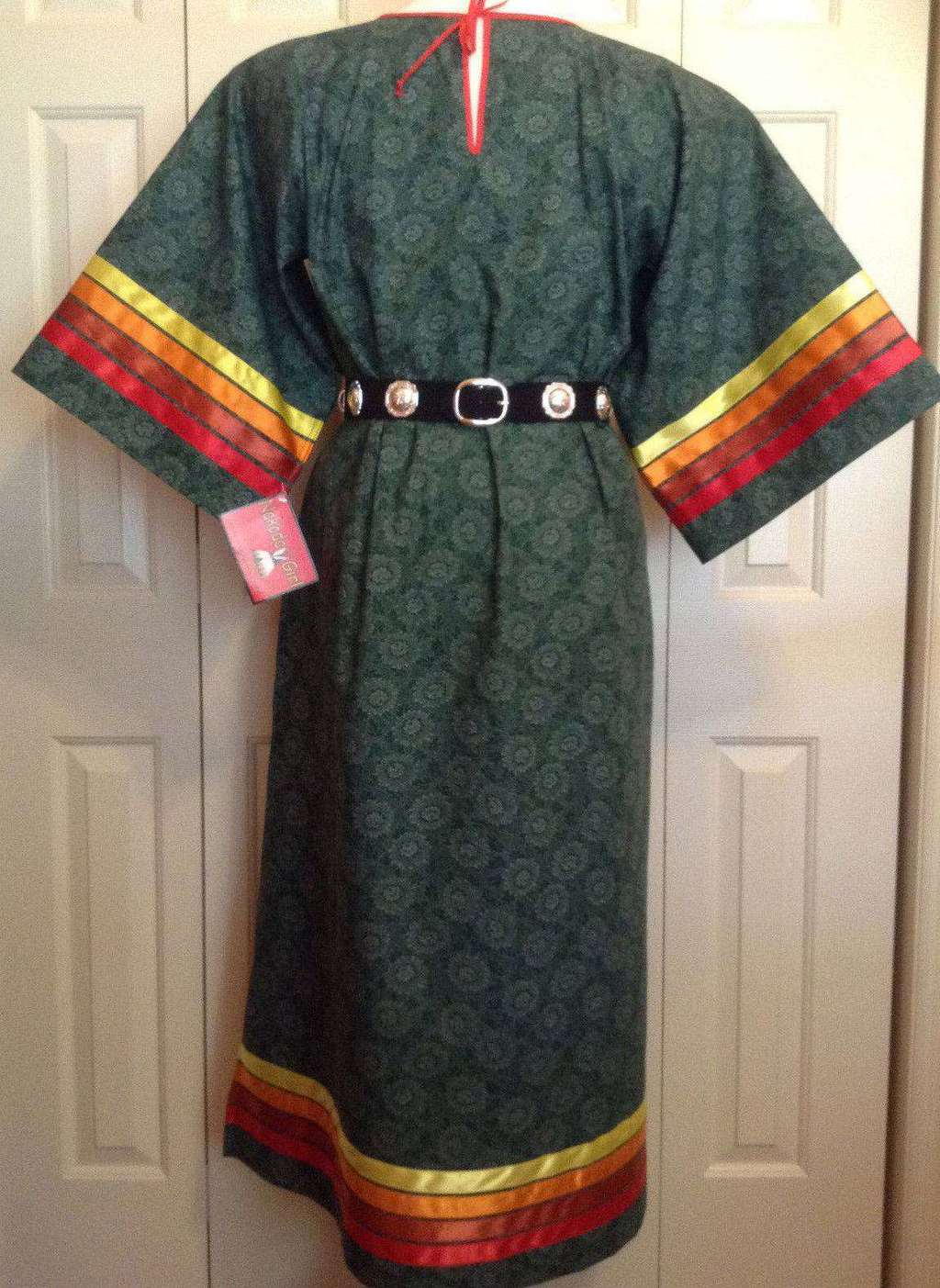 Native American Regalia*NAKODA MADE*Ladies Pow Wow GREEN Ribbon Dress Size 18-20 – eBay find of the week - PowWows.com – Native American Pow Wows